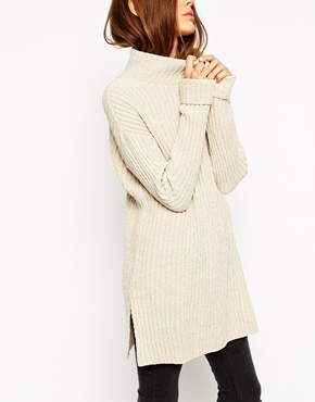 A sweater long enough that you can wear your ski leggings. http://bit.ly/1wu9hEj