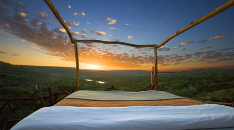 Could you sleep in this bed overlooking the Kenyan wilderness? http://bit.ly/17RX3tU