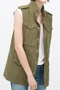 Waistcoat with plenty of pockets. http://bit.ly/1NhhDmv
