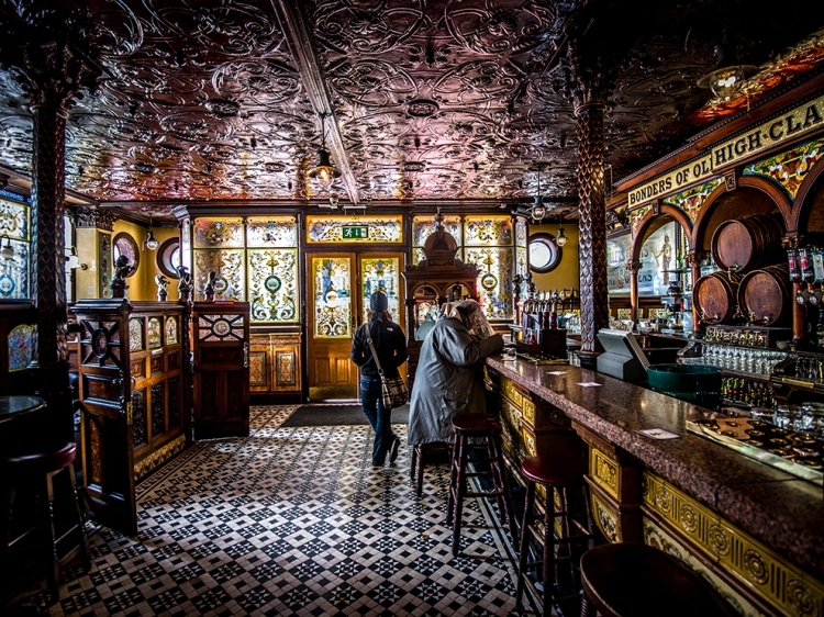 Ireland's Historic Pubs