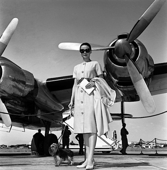 Travel-in-style-with-Audrey-Hepburn