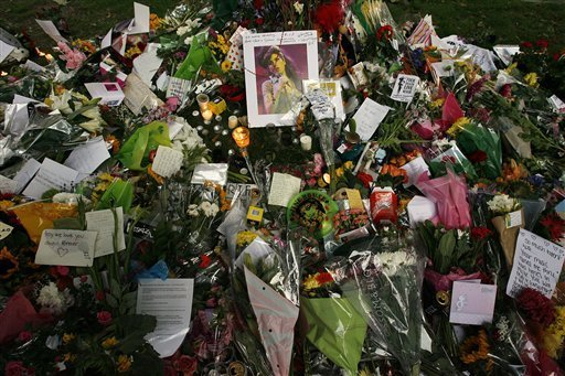 Flowers for Amy Winehouse.