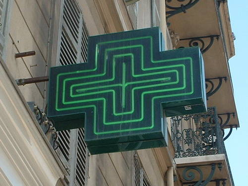pharmacy-france-sign