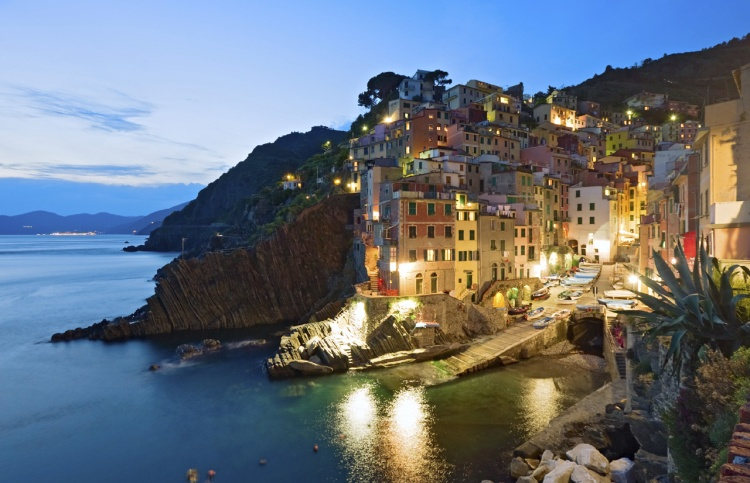 riomaggiore-fishing-village-in-liguria