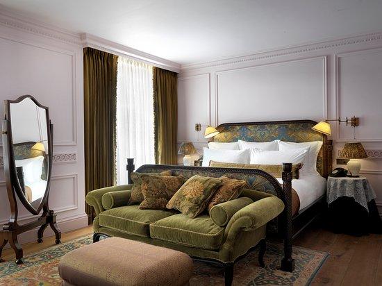 large-bedroom.jpg
