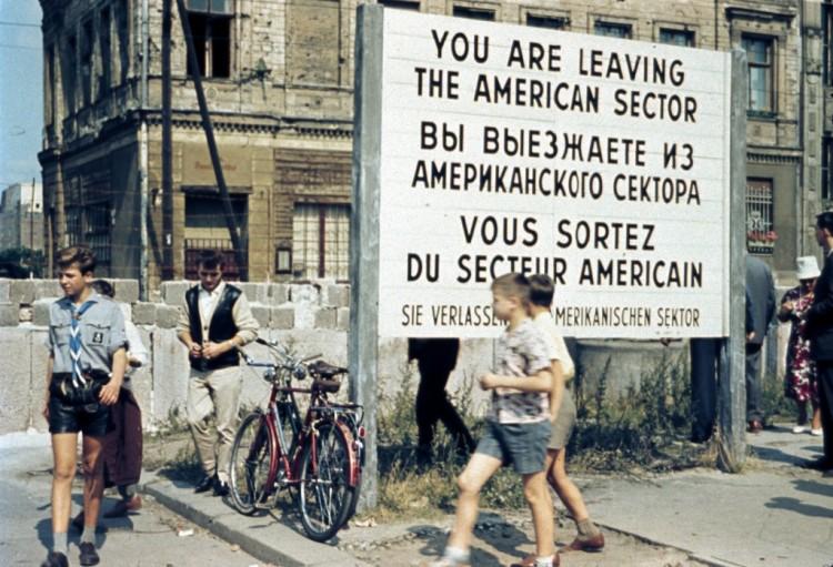 berlin-sign-1024x698.jpg